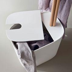 Minimal and functional - Fonte, design by Monica Graffeo #rexa #design #bathroom #bath #detail