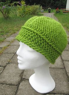 Hat in slip stitch crochet...... this is a neat design