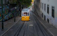 yellow tram in Lisbon. eléctrico amarelo de Lisboa