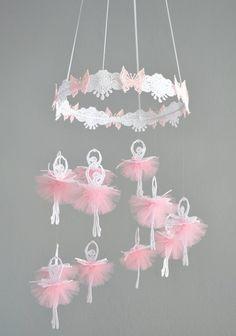 Flower Mobile, Butterfly Mobile, Pink Butterfly, Ballet Decor, Ballet Crafts, Deco Baby Shower, Pink Tutu Skirt, Tulle Tutu, Tutu Skirts