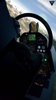 F-18 cockpit simulator from www.viperwing.com