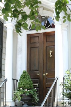 36 Trendy Exterior Entrance Decor The Doors Exterior Design, Doors, Beautiful Doors, Home, House Exterior, Southern Homes, Front Entrances, Entrance Decor, Exterior