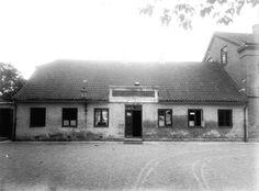 Sundbyøster Skole, Øresundsvej 33. Eksisterede fra 1630 som fællesskole. Nedlagt 1891. Foto Frederik Riise
