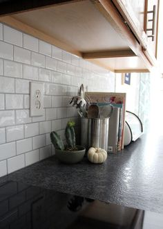 Why we chose leather granite countertops – Tag & Tibby Design – diy kitchen decor on a budget Diy Kitchen Decor, Kitchen Redo, New Kitchen, Kitchen Design, Kitchen Ideas, Subway Tile In Kitchen, Kitchen Backsplash Peel And Stick, Cheap Kitchen, Kitchen Layout