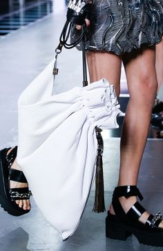 Check out the brand new Louis Vuitton Spring 2016 bags, straight from the Paris runway!