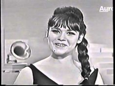 GALE GARNETT - We'll Sing In The Sunshine (1965)........ Loved this song. She looks like Dianan Galbadon!