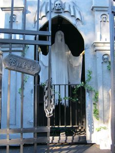 IDEAS & INSPIRATIONS: Halloween Decorations, Halloween Decor: Rhode Island Yard Haunt