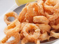 Frittierte Calamari herstellen ist ein Rezept mit frischen Zutaten aus der Kategorie Tintenfisch. Probieren Sie dieses und weitere Rezepte von EAT SMARTER!