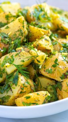 This delicious and easy potato salad recipe is mayonnaise free and has lots of fresh herbs. Thanks to an ultra-flavorful vinaigrette, this herby potato salad is naturally gluten free, egg free, and vegan. salad with egg mayonnaise Best Salad Recipes, Good Healthy Recipes, Vegan Recipes, Cooking Recipes, Necterine Recipes, Arugula Recipes, Chard Recipes, Vegetarian Recipes Videos, Cooking Beef