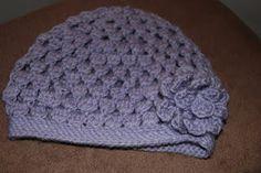 Easy baby crochet hatpattern (clusters)
