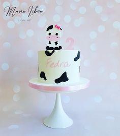 Cow Print Birthday, Cow Birthday Parties, Farm Birthday Cakes, Farm Animal Birthday, Girl Birthday Themes, Baby Girl First Birthday, 2nd Birthday, Cow Print Cakes, Cow Cakes