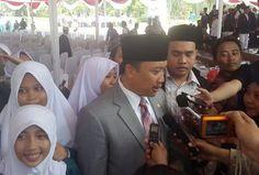 Hari Santri Nasional Menpora: Momentum Santri Jadi Inisiator Indonesia : Keputusan Pemerintah menetapkan 22 Oktober sebagai Hari Santri Nasional menjadi momentum bersejarah bagi para santri untuk lebih berperan dalam program pemerintah. Kare