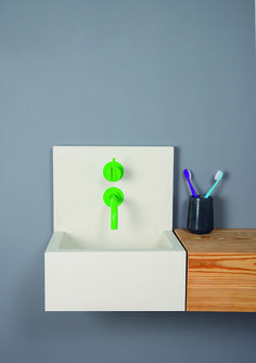 Compact yet contemporary and perfect for a small space. Kern mini basin by Kast. Tap by VOLA