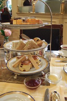 Elegant tea at 4:00