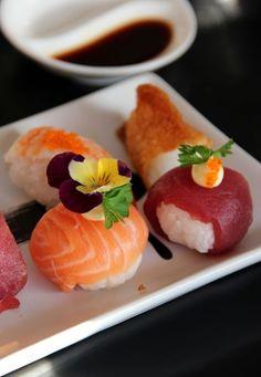 at meal Sushi Co, My Sushi, Sushi Time, Temari Sushi, My Favorite Food, Favorite Recipes, Japanese Food Sushi, Sushi Recipes, Ceviche