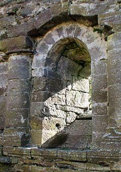 Kilmalkedar Church - Dingle Peninsula - County Kerry, Ireland - ©2006 paul@cohesionarts.com