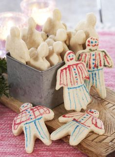 Crisp, not-too-sweet, and favourite among young and old. Christmas Mix, Christmas Wishes, Christmas And New Year, Christmas Cookies, Scandinavian Food, Scandinavian Christmas, Swedish Recipes, Norwegian Recipes, Norwegian Christmas