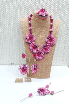 Now a days flower jewellery are in trend and have a great demand in pre-marriage. Now a days flowe Body Jewelry, Jewelry Art, Jewelry Design, Fashion Jewelry, Designer Jewelry, Indian Jewelry Earrings, Wedding Jewelry, Indian Necklace, Flower Jewellery For Mehndi