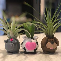 Elegant Animal Planters For Indoor & Outdoor Decors - Unique Balcony & Garden Decoration and Easy DIY Ideas Diy Clay, Clay Crafts, Hanging Planters, Succulent Planters, Balcony Garden, Succulents Garden, Potted Garden, Planter Pots, Flower Pot Design