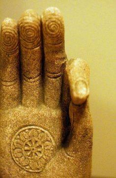 ✦ WHEEL OF DHARMA. One of the 8 Auspicious Symbols of Buddhism. The dharma wheel, or dharmachakra in Sanskrit, is one of the oldest symbols of Buddhism. It's one of the Eight Auspicious Symbols of Buddhism. Buddha Zen, Buddha Buddhism, Buddhist Art, Sanskrit, Namaste, Yoga Inspiration, Statues, Hand Mudras, Little Buddha