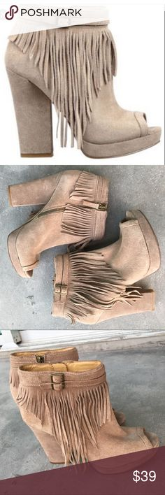 Nine West Icelandic Women US 8 Fringe Bootie Nine West Icelandic Women US 8 Fringe Bootie Peeptoe .  Good Conditions. Nine West Shoes Ankle Boots & Booties