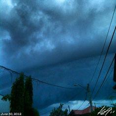 雨雲 #cloudy #sky #cloud #rain #philippines #フィリピン #空 #雲 #雨