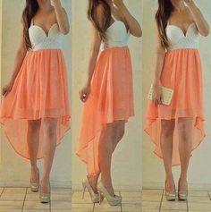 Me encanta esta falda con cola de pato :3