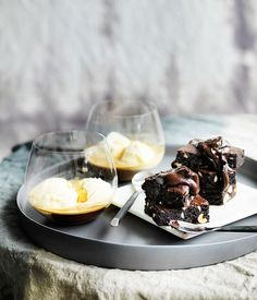 Chocolate and coffee fudge cakes with Bourbon chocolate sauce recipe - Gourmet Traveller