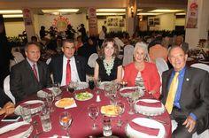 En el festejo del 65 aniversario: Senador Gerardo Sánchez, Senador Miguel Ángel Chico Herrera y su esposa Mausita Rodríguez; Salvador Guerra Jiménez y su esposa Phillys Meuse.