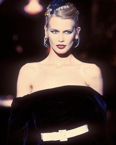 Claudia for Dior Perfect Curves, Gianfranco Ferre, Claudia Schiffer, Cat Walk, 1990s, Supermodels, Dior, Pin Up, Fashion Show