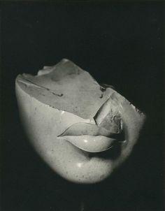 entregulistanybostan:  Manuel Litran (n. 1927) - Bouche de la Reine Tiyi l'épouse d'Aménophis III, 1970 Source