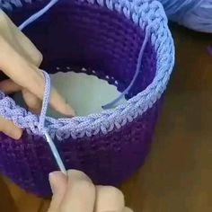 Crochet Shoes Pattern, Crochet Headband Pattern, Crochet Beret, Crochet Basket Pattern, Crochet Poncho Patterns, Modern Crochet Patterns, Thread Crochet, Crochet Designs, Crochet Crafts