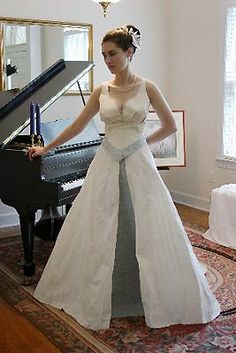 43 best NEAT TOILET PAPER DRESSES images on Pinterest   Wedding     toilet paper wedding dress