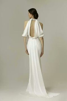 Sometimes the back of dress look a way better than front... Love it<3