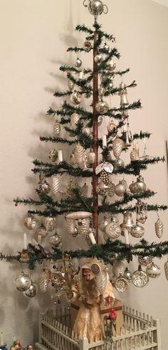 Ideas For Vintage Christmas Tree Ideas Xmas Christmas Tree Fence, German Christmas, Silver Christmas, Christmas Past, Victorian Christmas, Primitive Christmas, Vintage Christmas Ornaments, Retro Christmas, Christmas Deco