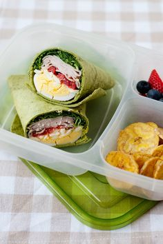Healthy Snacks For Kids Keep your teenager fueled throughout the day with these healthy school lunch ideas for teens that are easy to make and delicious to eat! Snacks For Work, Lunch Snacks, Clean Eating Snacks, Lunch Recipes, Breakfast Recipes, Eating Healthy, Lunch Box, Kid Snacks, Breakfast Healthy