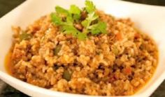 After a week long binge on sweets this holiday, prepare a simple but savory dish to your family. The ingredients of spicy ground beef rice recipe makes it a good dish for either breakfast, lunch, or dinner. Ground Beef Rice, Ground Beef Dishes, Beef And Rice, Ground Beef Recipes, Rice Recipes, New Recipes, Favorite Recipes, Best Dishes, Rice Dishes