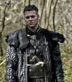 Early Middle Ages Viking raids in the best traditions of the Scandinavian sagas. Ragnar Lothbrok, Lagertha, Vikings Tv Show, Ragnar Vikings, Ivar Vikings, Vikings Tv Series, Sons Of Ragnar, King Ragnar, Bracelet Viking