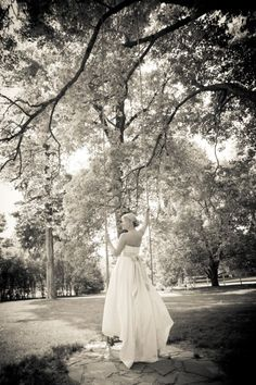 Cedarwood is a Fairytale Setting for Bridal Portraits