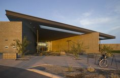 Cesar Chavez Regional Library / Line and Space (4)