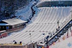 Ober Gatlinburg is one of those rare parks that are open daily, year-round, so you can enjoy the snow whenever you'd like. You can even snowboard or go tubing!