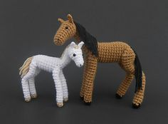 Crochet_horse_and_foal_small2