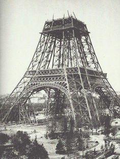 Construccion de la Torre Eifel