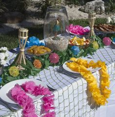 Hawaiian Luau Brunch by @Events Uncorked // @LPF Mag Issue #3