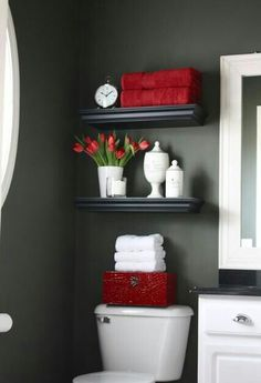 #bathrOOm! #red! #sO ahhhdOrable!