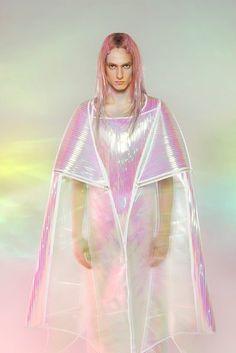 Futurism by Yuima Nakazato Hanfu, Cheongsam, Space Fashion, Fashion Design, Iridescent Fashion, Space Grunge, Raincoats For Women, Future Fashion, Looks Cool