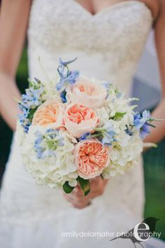 Bridal Bouquet, The Posie Peddler - Saratoga Springs Wedding www.caratsandcake.com/kingman