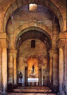 San Pedro de la Nave. Campillo. Zamora. Byzantine Architecture, Church Architecture, Historical Architecture, Pre Romanesque, Medieval, Roman Church, Foto Madrid, Early Christian, European History