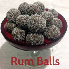 Rums Balls are a Christmas staple, they are easy and cheap to make if you already have rum in the cupboard. The kids will love making these easy rum balls! Xmas Food, Christmas Cooking, Cheddarwurst Recipe, Mulberry Recipes, Spagetti Recipe, Szechuan Recipes, Rum Balls, Bourbon Balls