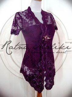 Kebaya Modern - Purple Kebaya Lace, Kebaya Brokat, Batik Kebaya, Batik Dress, Model Dress Kebaya, Kebaya Modern Dress, Traditional Fashion, Traditional Outfits, Azul Real